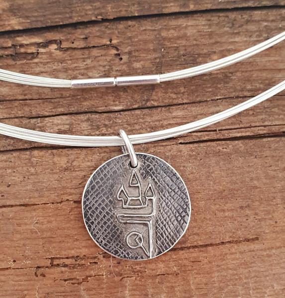 Straubing Talisman Patiniert mit Edelstahlcollier Silber