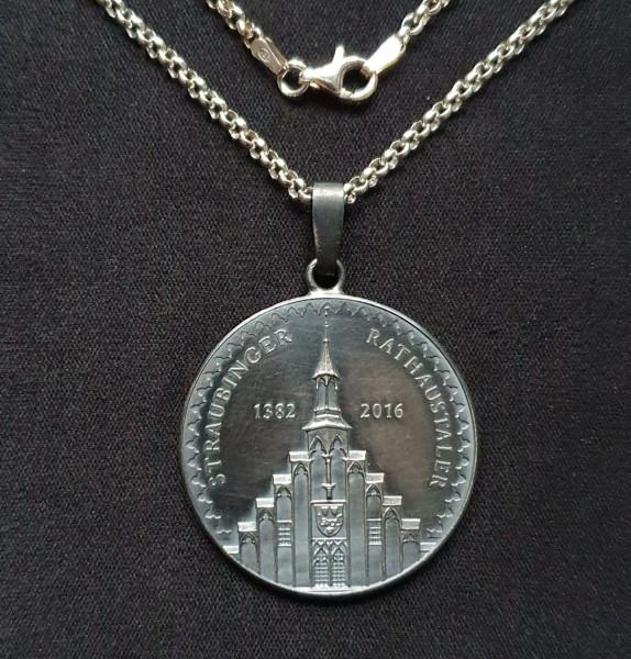 Straubinger Rathaustaler Schmuck-Anhänger Patiniert mit Silberkette